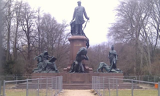 Bismarckdenkmal_Berlin