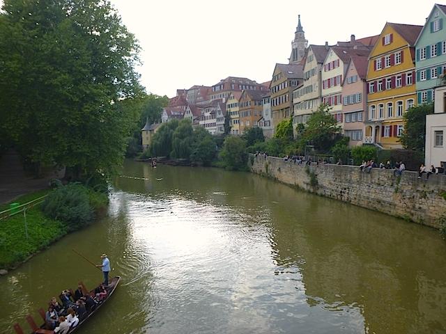 8_Neckarfront_Tübingen_mit_Hölderlinturm