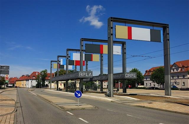Leunahaupttorplatz